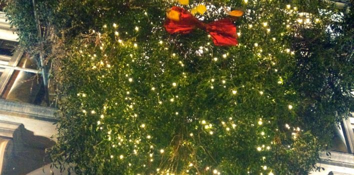 Merry Kissmas! Giant mistletoe chandelier unveiled at Islington Square